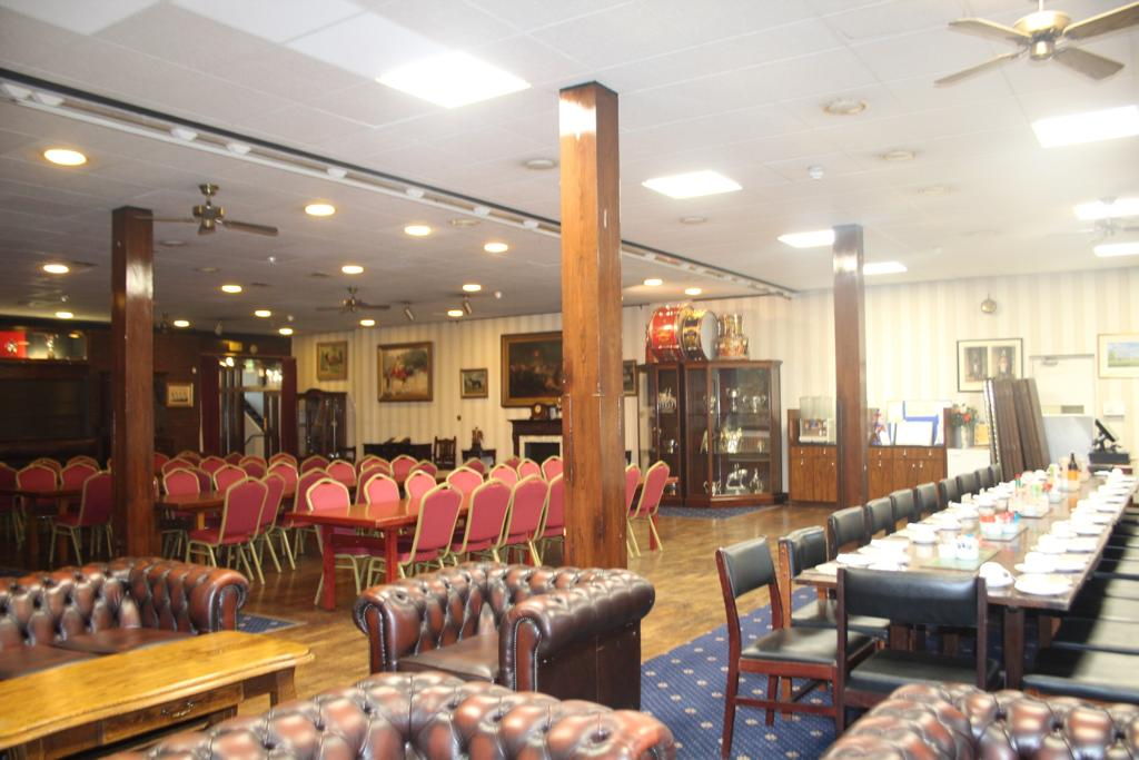 Hyde park dining room and bar